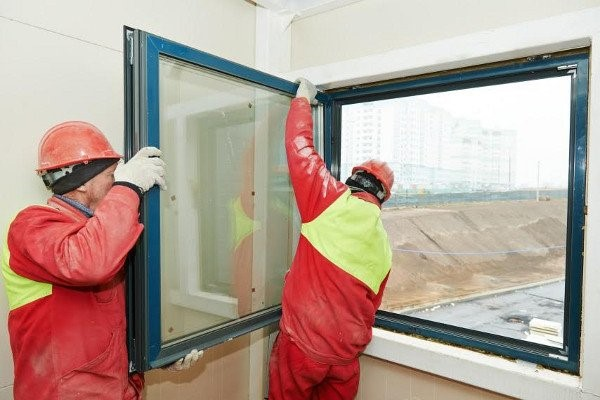 قیمت تعویض پنجره پلاس پن ثابت دوجداره با پنجره فرسوده