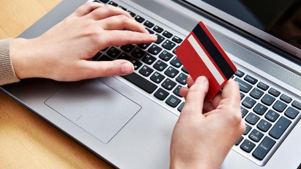 خرید اینترنتی درب پنجره یو پی وی سی