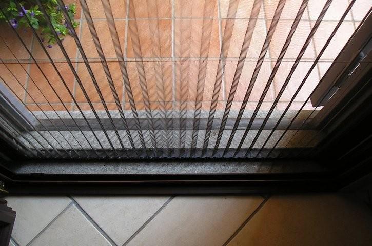 توری پنجره دوجداره آهنربایی