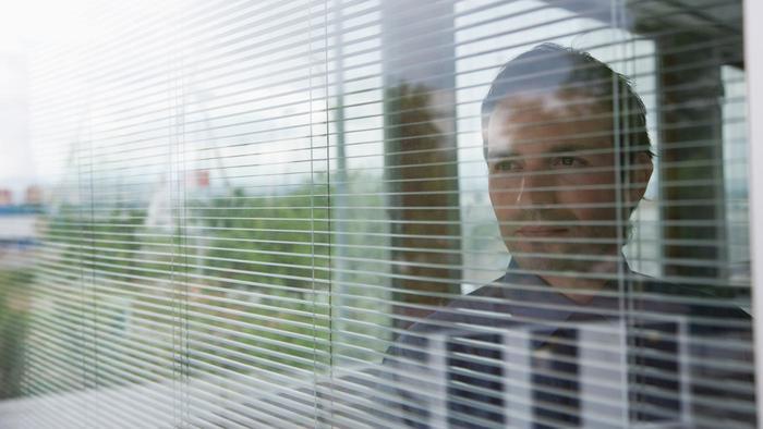 خرید پنجره دوجداره ارزان شیشه کرکره ای در کرج