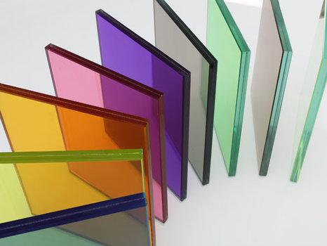 پنجره چوب پی وی سی ضد صدا با کیفیت شیشه رنگی کرج