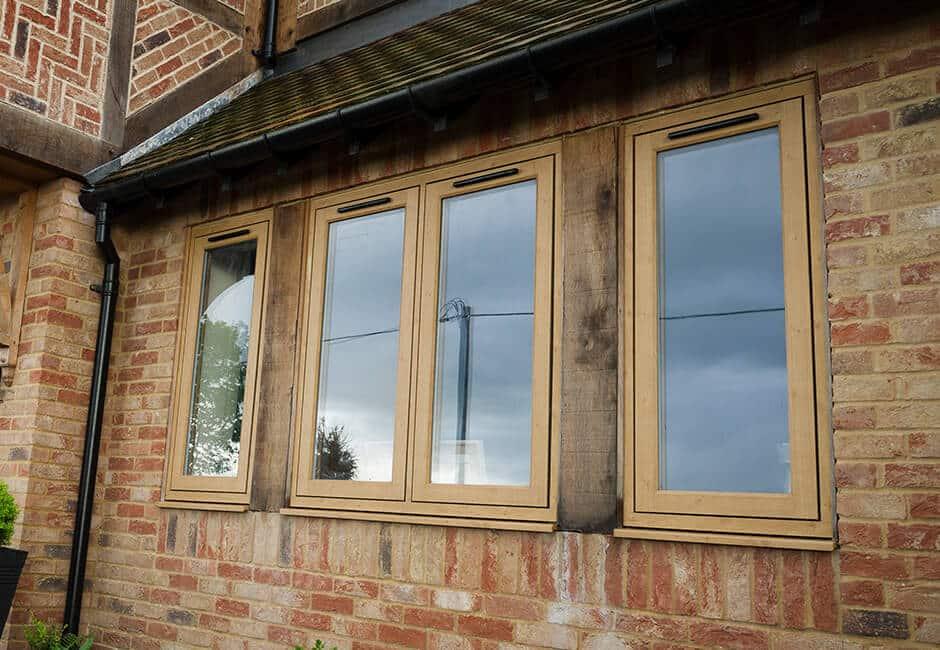 پنجره پی وی سی چوبی شیشه رنگ چوب با کیفیت در کرج